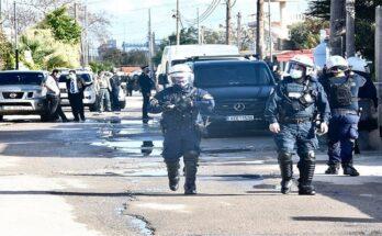 Ρομά πυροβόλησαν αστυνομικούς